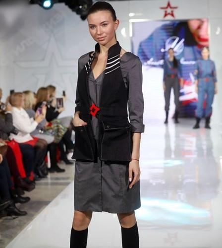 Ảnh: Thời trang quân sự Nga - hấp dẫn, sành điệu và khỏe khoắn - ảnh 13
