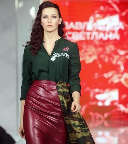 Ảnh: Thời trang quân sự Nga - hấp dẫn, sành điệu và khỏe khoắn - ảnh 5
