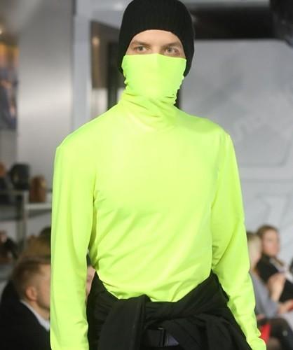 Ảnh: Thời trang quân sự Nga - hấp dẫn, sành điệu và khỏe khoắn - ảnh 10
