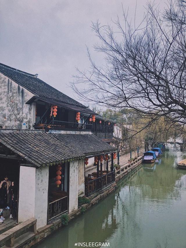 Ngẩn ngơ trước vẻ đẹp thị trấn cổ Châu Trang, nơi được mệnh danh là Venice Phương Đông  - Ảnh 2.