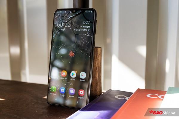 Đánh giá Samsung Galaxy M20: Smartphone có pin xài lâu sạc nhanh ấn tượng nhất! - Ảnh 2.