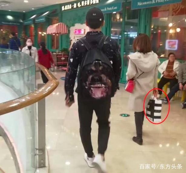 Lộ ảnh Lý Thần đi mua sắm cùng phụ nữ lạ lúc tối muộn, nghi ngờ đã chia tay Phạm Băng Băng - Ảnh 1.