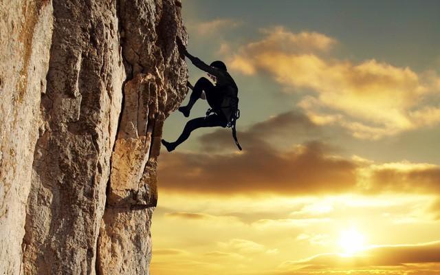 Đi hết con đường ta mới thấy đâu là đích đến, leo hết ngọn núi ta mới hiểu hai chữ gian nan: Lấy thái độ quyết định vận mệnh - Ảnh 2.