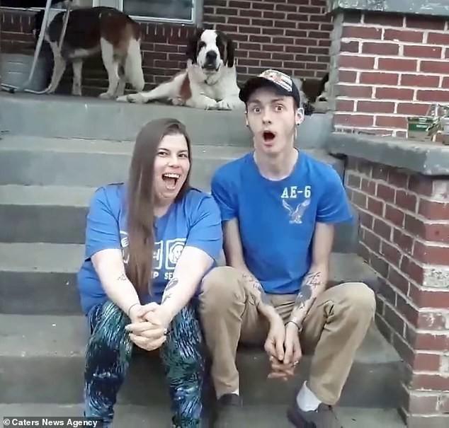 Cậu thiếu niên Mỹ tự dưng phải gọi bạn thân bằng bố vì nó đính hôn với mẹ mình - Ảnh 3.