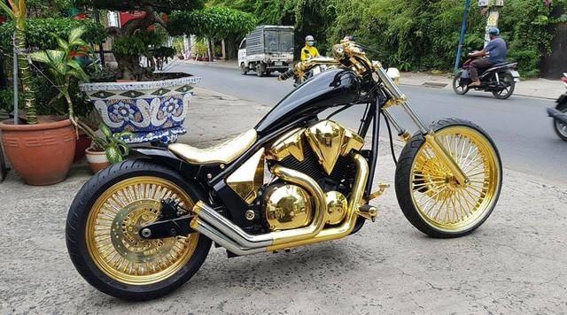 Phúc XO, Siêu xe Phúc XO, người đeo nhiều vàng nhất Việt Nam
