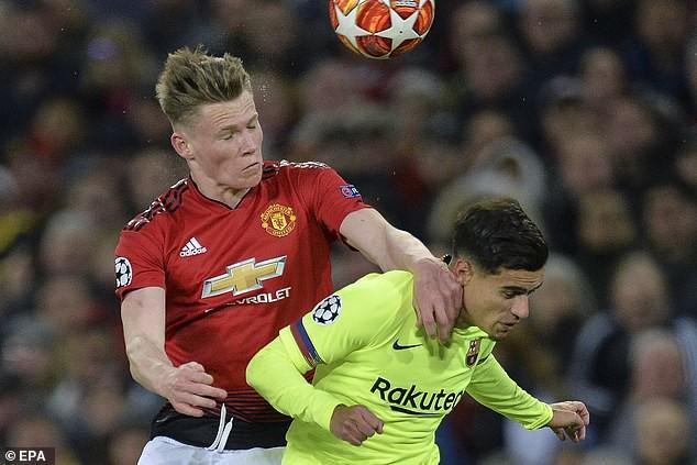 Trong ngày Old Trafford bị kéo sập, có một Quỷ đỏ vẫn khiến Barca phải chùn chân - Ảnh 3.