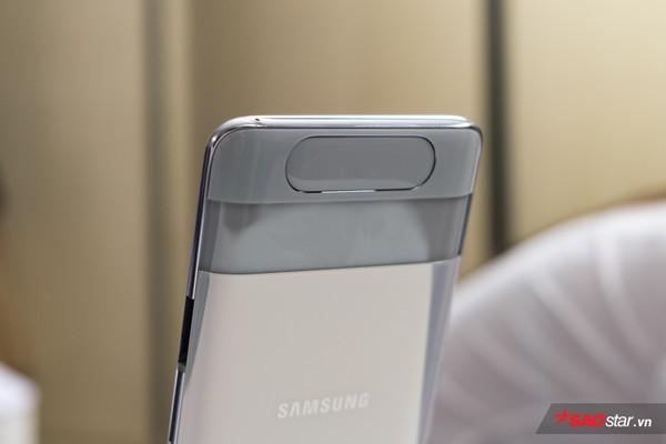 Trên tay nhanh Samsung Galaxy A80: Camera xoay lật 180 độ và màn hình chất chưa từng có! - Ảnh 11.
