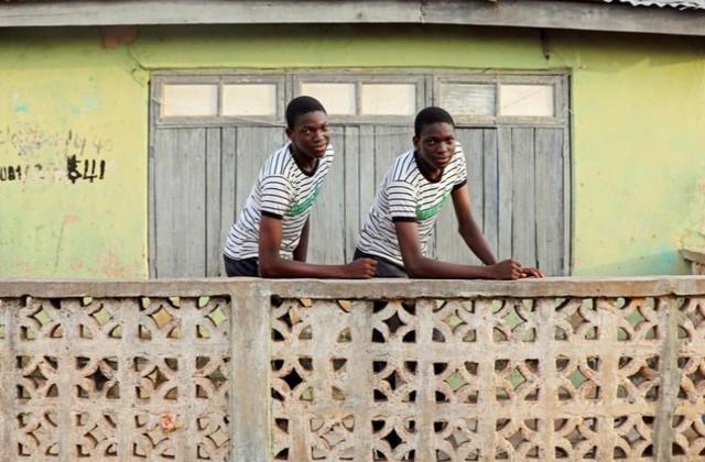 Bí ẩn nguyên nhân thị trấn châu Phi trở thành thủ đô sinh đôi trên thế giới - Ảnh 3.