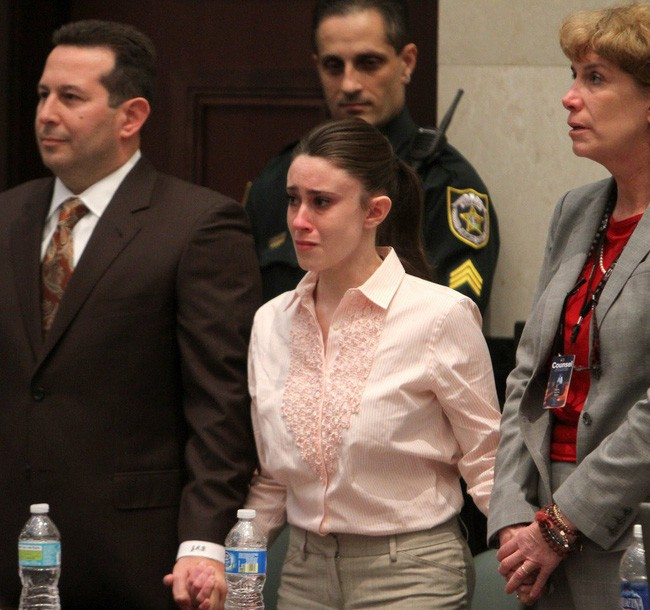 Vụ án bà mẹ trẻ độc ác giết con gái 3 tuổi, vài ngày sau tiệc tùng thả ga, nói dối cảnh sát nhưng cuối cùng vẫn được tuyên trắng án - Ảnh 7.