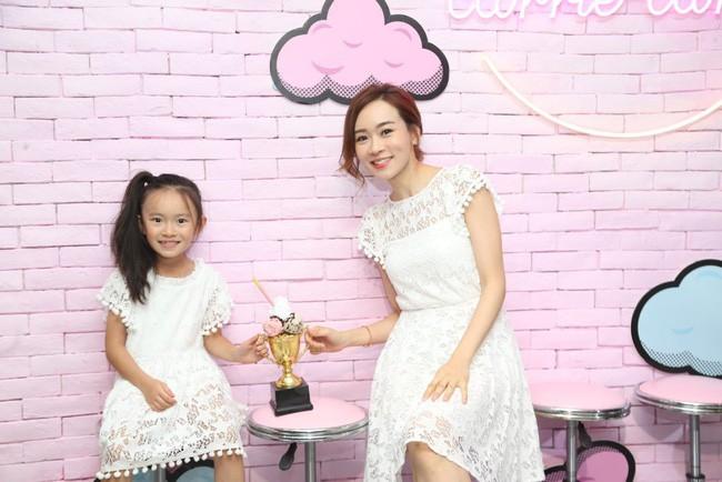Dương Tư Kỳ: Hoa hậu tham phú phụ bần, trắng tay vì mang tiếng không chồng mà chửa, tuổi 41 làm mẹ đơn thân xây lại cuộc đời - Ảnh 7.