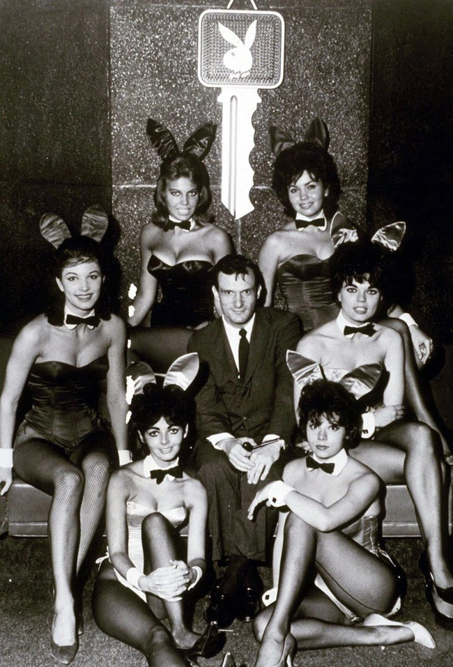 Thì ra ông trùm Playboy lấy 3 vợ, coi tình yêu như cỏ rác và qua đêm với cả ngàn người tình là vì lý do bất ngờ này - Ảnh 2.