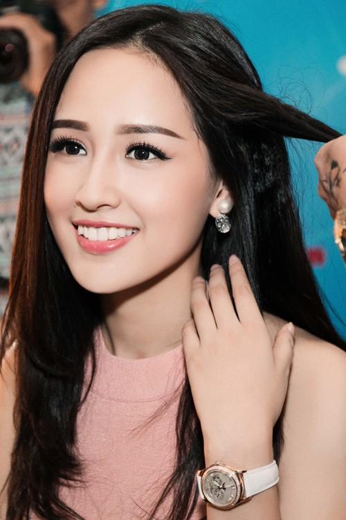 """Những BST """"cực khủng"""" của sao Việt: Từ tủ nước hoa chất đầy như siêu thị đến những chú gấu đồ chơi đáng giá bạc tỷ - Ảnh 10."""