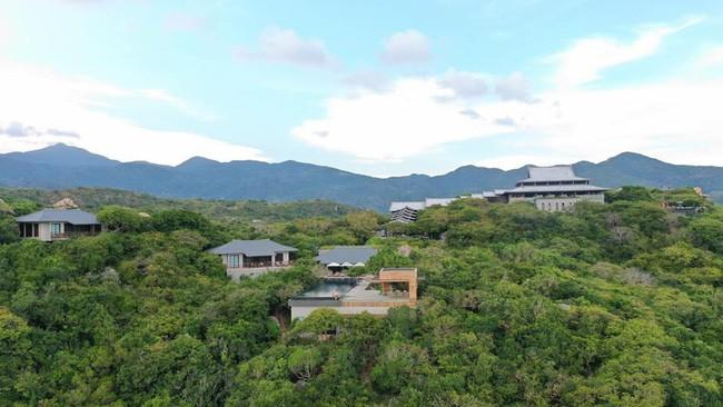 Cường Đô La khoe ảnh ngọt ngào bên Đàm Thu Trang ở resort 6 sao, dân mạng rôm rả bàn tán về giá phòng trên trời - Ảnh 1.