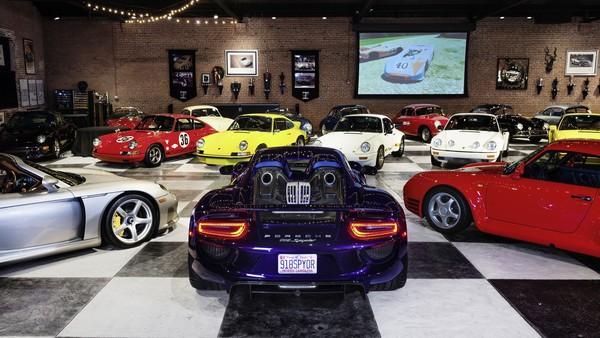 Bộ sưu tập gồm 80 chiếc Porsche cổ vừa bị xóa sổ chỉ vì một sự cố không ai ngờ tới - Ảnh 2.