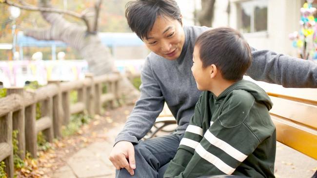 Thời điểm phù hợp rất quan trọng để nói ra sự việc nào đó quan trọng với trẻ. (Ảnh minh họa)