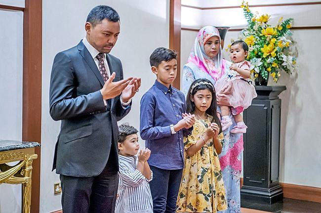 Điều ít biết về người nắm giữ trái tim Thái tử giàu có bậc nhất châu Á: 17 tuổi đã kết hôn, sinh 4 con vẫn được chồng yêu chiều hết mực - Ảnh 9.