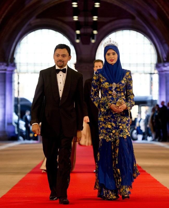 Điều ít biết về người nắm giữ trái tim Thái tử giàu có bậc nhất châu Á: 17 tuổi đã kết hôn, sinh 4 con vẫn được chồng yêu chiều hết mực - Ảnh 10.