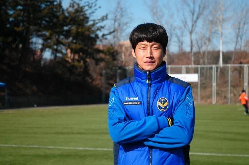 Lộ diện thầy tạm của Công Phượng, là huyền thoại CLB Incheon United - Ảnh 1.
