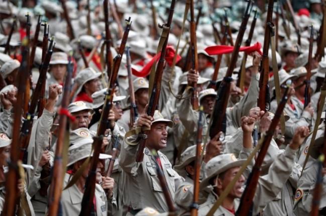 Tổng thống Maduro ra lệnh tăng số lượng dân quân - Ảnh 1.