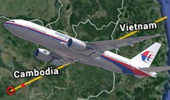 MH370 đã hạ cánh xuống sân bay bí mật có tọa độ là vĩ độ 12.2558, kinh độ 104.5667? - Ảnh 2.