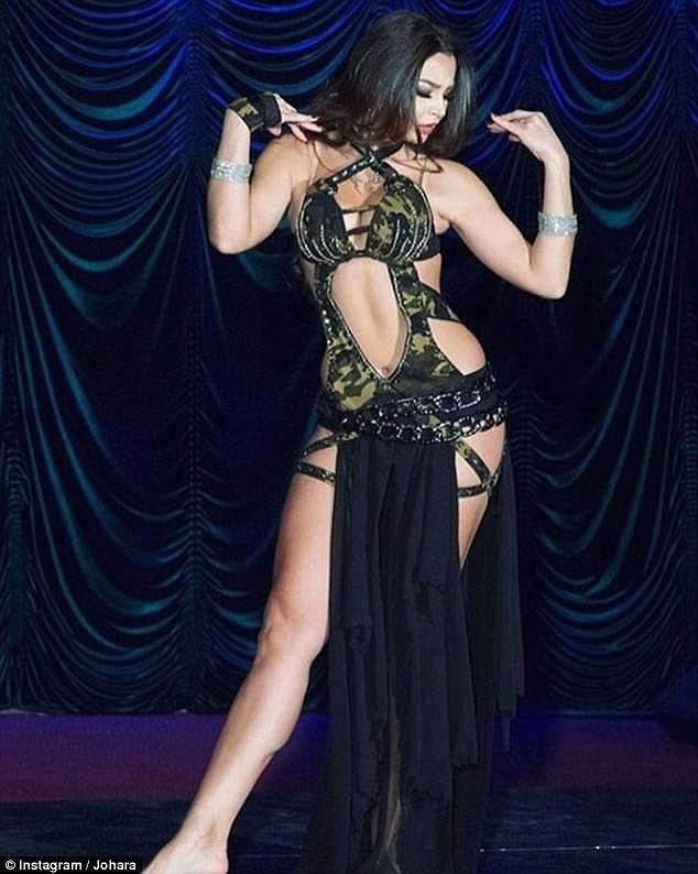 Nữ vũ công Nga bị bỏ tù vì biểu diễn không nội y ở Ai Cập là ai? - Ảnh 3.