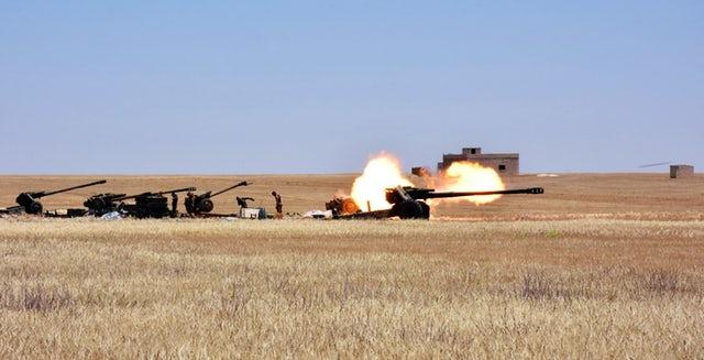 """Sau không kích của Israel: 40 tên lửa """"đã bị phá huỷ"""" nã vào Idlib và Hama - ảnh 2"""