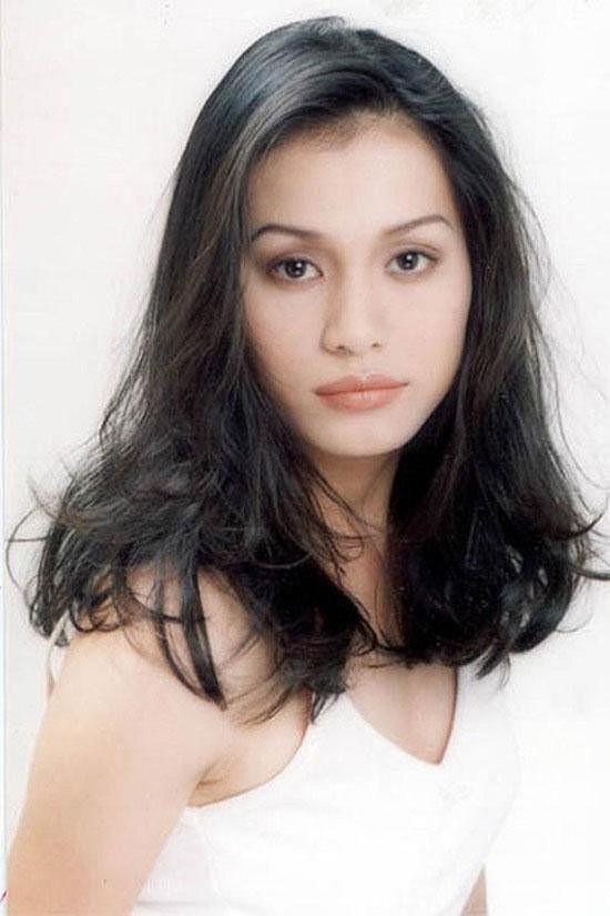 Bỏ hào quang sang Mỹ, Hoa hậu Ngọc Khánh viên mãn sống đời giản dị, trồng nho phụ chồng - Ảnh 1.