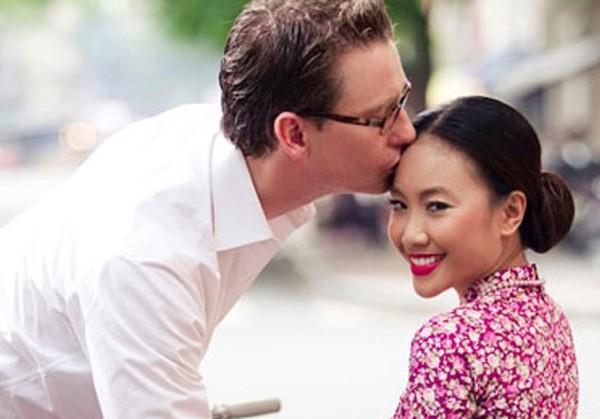Chị em nhà Đoan Trang: Chị lấy chồng Tây giàu có, em kín tiếng được đồng nghiệp nể phục - Ảnh 2.