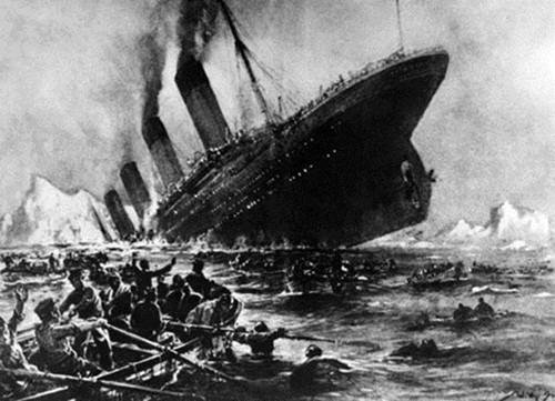 Tàu Titanic chìm xuống đáy đại dương