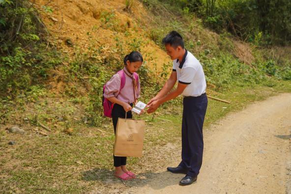 Khát vọng thay đổi cuộc đời và lòng hiếu học của những đứa trẻ vùng cao nơi địa đầu Tổ quốc - Ảnh 16.