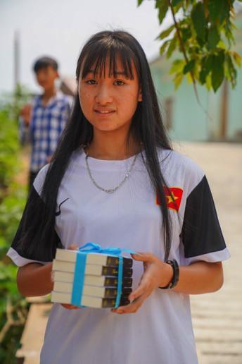 Khát vọng thay đổi cuộc đời và lòng hiếu học của những đứa trẻ vùng cao nơi địa đầu Tổ quốc - Ảnh 6.