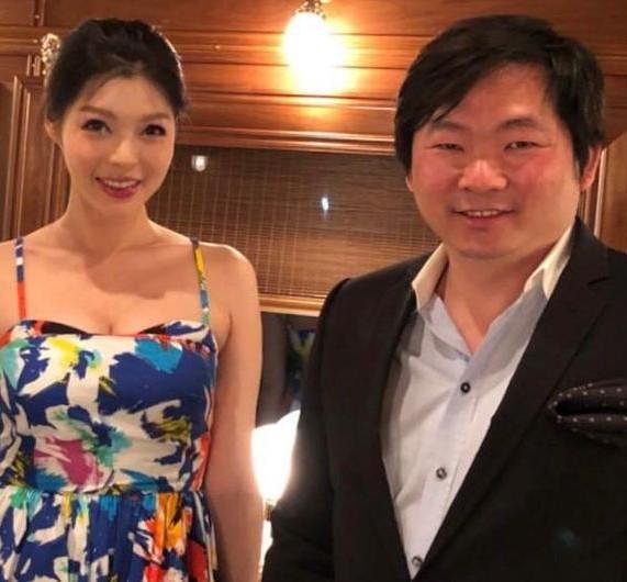 Siêu mẫu nóng bỏng lấy tỷ phú xấu nhất Đài Loan: Tôi nhận lời cầu hôn vì chồng quá đẹp trai - Ảnh 7.
