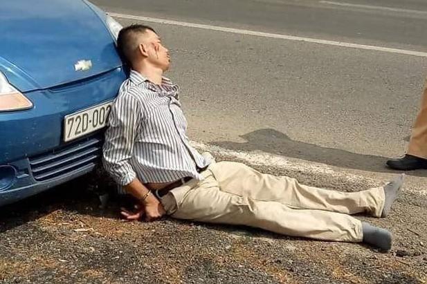 Lái xe bán tải chèn ngã khiến 1 CSGT tử vong trong lúc truy đuổi có thể được miễn trách nhiệm hình sự? - Ảnh 2.