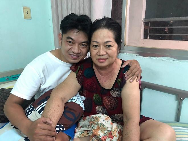Học trò đại gia của danh hài Minh Nhí: Chỉ cần trễ 15 phút thôi là mẹ tôi chết rồi - Ảnh 3.