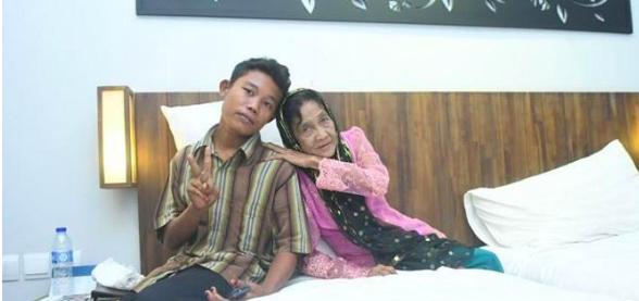 Tình tiết bất ngờ trong cuộc sống của thanh niên 16 tuổi lấy bà lão U70 - Ảnh 1.