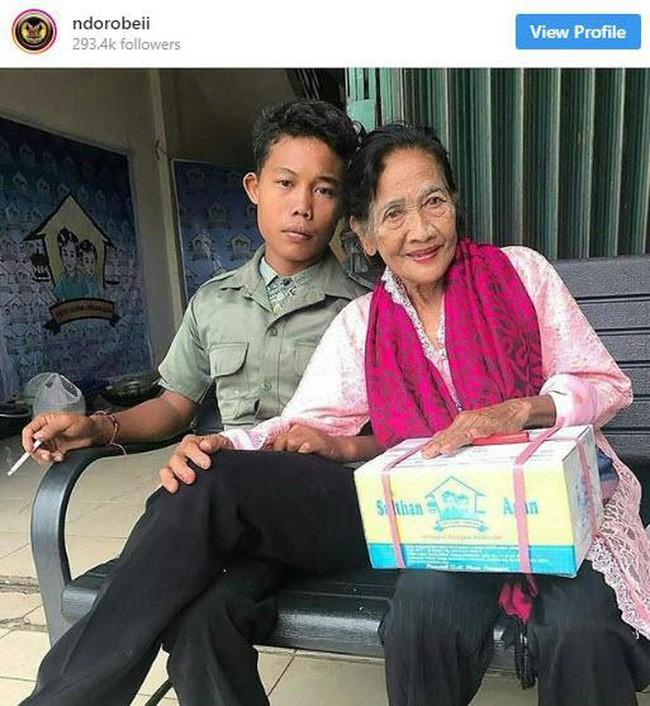 Tình tiết bất ngờ trong cuộc sống của thanh niên 16 tuổi lấy bà lão U70 - Ảnh 2.