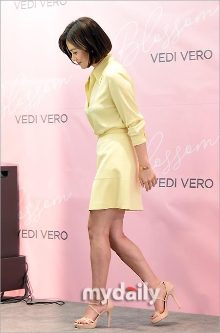 Song Hye Kyo tỏa sáng rực rỡ khi đi sự kiện nhưng lại bị lộ khuyết điểm này trên cơ thể - ảnh 4