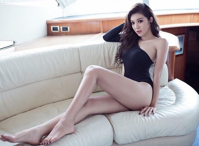 Hoa hậu Bùi Lý Thiên Hương sốc, bật khóc vì bị từ chối thẳng mặt một cách sỗ sàng - Ảnh 1.