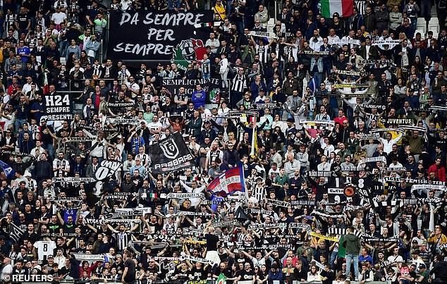 Ronaldo ăn hên, nâng cao chức vô địch đầu tiên từ khi chuyển sang Juventus - Ảnh 4.