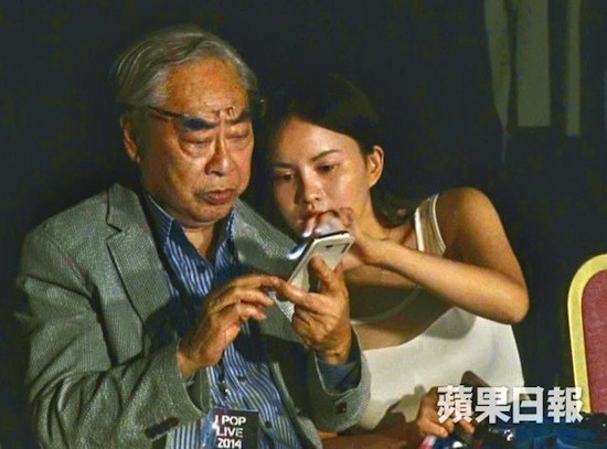 Gia tộc phong lưu nhất Hong Kong: Anh U90 cặp thiếu nữ tuổi cháu, em chuyên săn minh tinh - Ảnh 12.