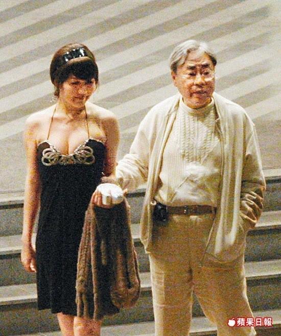 Gia tộc phong lưu nhất Hong Kong: Anh U90 cặp thiếu nữ tuổi cháu, em chuyên săn minh tinh - Ảnh 13.