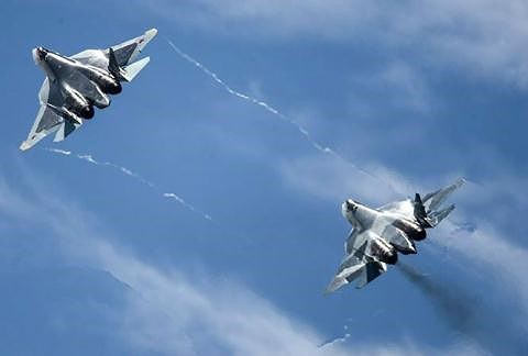 Giả thuyết bất ngờ: Nga có thể là người giấu mặt hạ gục siêu tiêm kích tàng hình F-35 Nhật? - Ảnh 2.