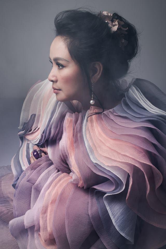 Đường hôn nhân của 4 Diva Việt: Người xấu lạ yên ổn với cuộc hôn nhân duy nhất, người hồng nhan thì lận đận truân chuyên - tuổi 50 vẫn cô đơn - Ảnh 4.