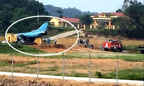 Ảnh hiện trường vụ máy bay Su-22 gặp nạn ở Yên Bái - Ảnh 2.