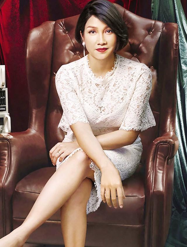Đường hôn nhân của 4 Diva Việt: Người xấu lạ yên ổn với cuộc hôn nhân duy nhất, người hồng nhan thì lận đận truân chuyên - tuổi 50 vẫn cô đơn - Ảnh 10.