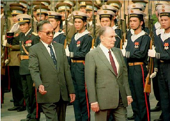 Những bức ảnh hiếm của nguyên Chủ tịch nước Lê Đức Anh và nguyên thủ các nước - Ảnh 7.