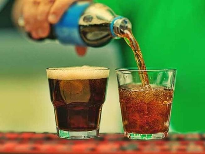 Lý do người sống lành mạnh không uống nước tăng lực: Bạn nên biết 5 tác hại trước khi uống - Ảnh 3.