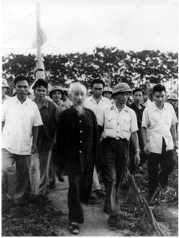 Ký ức của chuyên gia quân sự Liên Xô về trận đầu bắn rơi 4 máy bay Mỹ bằng 3 quả tên lửa ở Việt Nam - Ảnh 1.