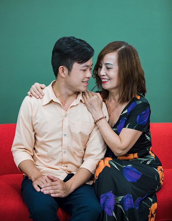Sau hơn nửa năm đám cưới, vợ chồng cô dâu 62 tuổi làm loạn cộng đồng mạng bằng loạt trò lố này - ảnh 4