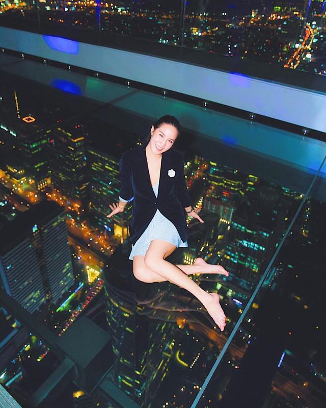 Dân tình hốt hoảng với sàn kính cao ở độ cao trên 300m ngắm trọn cảnh thủ đô Bangkok - Ảnh 7.